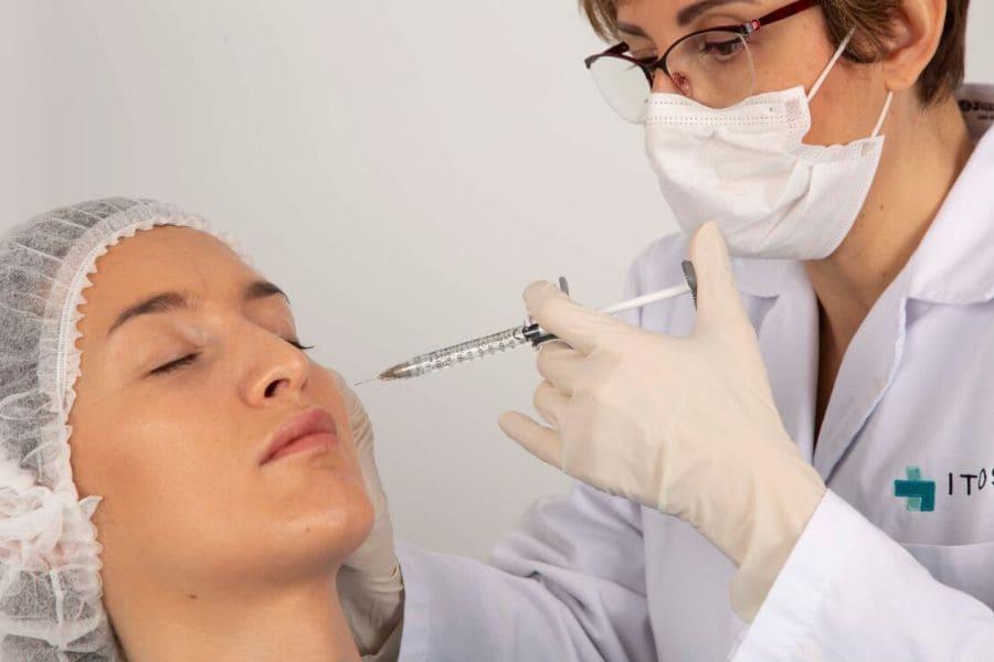 ¿Qué es el botox y cuál es su uso en tratamientos estéticos faciales?